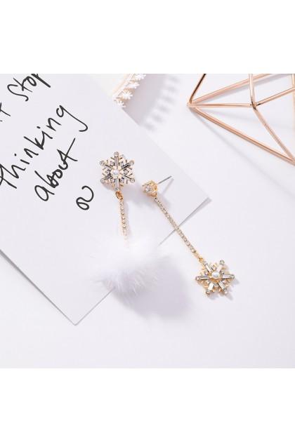 【Xmas Gift】Sweet Love Xmas Bobble Tassel Earrings White 甜美爱心圣诞耳环白色毛球流苏