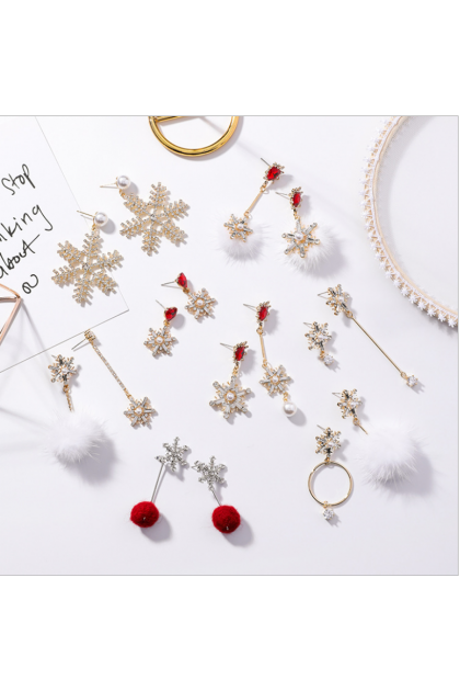 【Xmas Gift】Sweet Heart Snow Ball White 爱心雪花白色毛球圣诞耳环